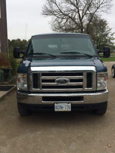 2008 Ford E-350 XLT Super Duty Econoline Van