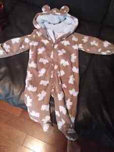 Carters snowsuit 6M