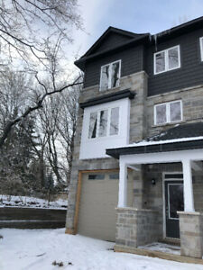 Exacutive large new townhouse for rent in Ancaster