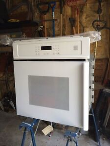 Brand new! Kennmore wall oven.  SAVE!!!
