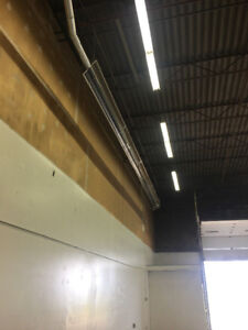 Warehouse in Innisfail for rent.