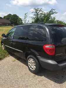 2004 Dodge Caravan Minivan, Van Windsor Region Ontario image 3
