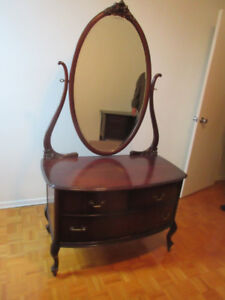 Lovely Antique (c1935) Dresser with Oval Mirror-Great Condition