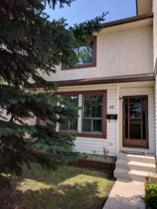 GREAT HOME 75 Templemont Way 3 BD 2.5Bth 200K FRESH!!