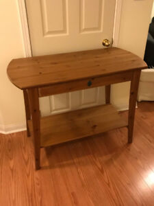 Single drawer desk perfect for a bedroom