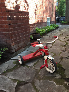Radio Flyer 10 inch Tricycle - Classic Red