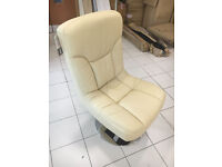 Relaxateeze Pocco cream leather swivel chair