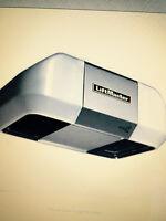 Ouvre porte de garage Lift Master a courroie Neuf!!!  Installer