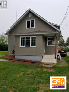 Beautifully renovated 1 & 1/2 storey home ~ by 3% Realty