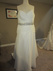 D23 - Alfred Angelo size 16