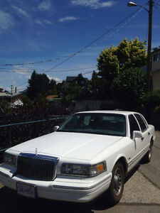 1996 Lincoln Town Car executive Sedan