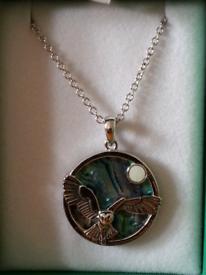 Tide jewellery Paua & mop shell barn