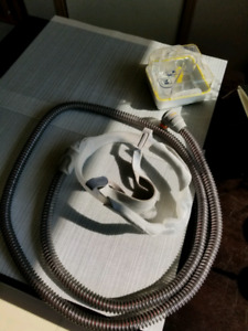 Used Dreamweaver resmed mask, hose and chamber