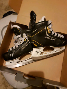Bauer kids hockey skates size 11