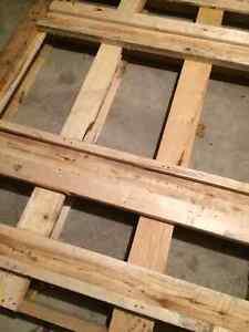 free fire wood skid Oakville / Halton Region Toronto (GTA) image 2