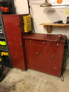 Work Bench / Cabinet - lots of storage, on wheels w/vice & light