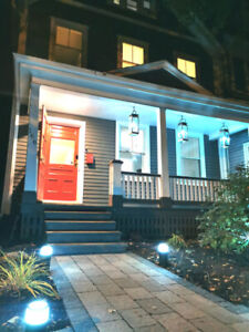 """Downtown Executive """"Smart"""" Home on Historic Ole King Square"""