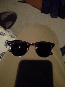 Brown ray ban w/ gold accent sunglasses