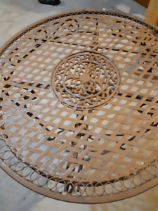 """Elegant Lattice Dining Table with 30"""" Plate Glass Top"""