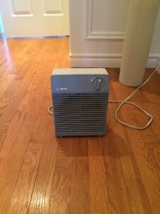 Mini electric space heater
