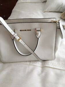 Michael Kors Handbag - in mint condition!