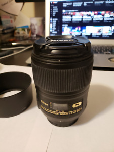 Like NEW Nikon lenses and D90 for SALE