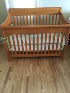 SEARS BABY CRIB WITH MATTRESS & CHANGE TABLE