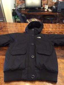 North face black women's down jacket size s excellent condition  Kitchener / Waterloo Kitchener Area image 2
