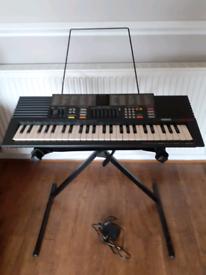 Yamaha electronic keyboard. Portasound pss390