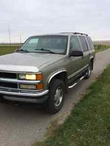 1999 Chevrolet Tahoe SUV, Crossover