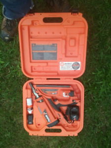 Paslode impulse Fuel and battery powered Nailer