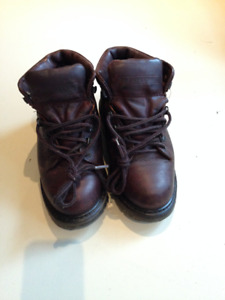 "Women's ""Prospector"" Gore-Tex Boots, Size 6"