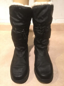 "Women's ""Lower East Size"" Winter Boots Size 8 London Ontario image 2"