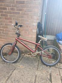 Vintage Saracen bmx bike