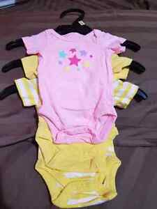 Preemie clothing neutral gender size 5lbs