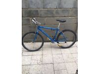 """EXCELLENT CONDITION SPECIALIZED ROCKHOPPER BIKE 26""""WHEELS MEDIUM FRAME 21 SHIMANO GEARS AND BRAKES"""