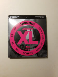 New Bass Strings - Chromes Flatwound Series D'Addario - $ 35.00