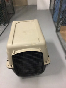 Dog carrier/cage