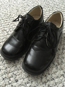 Size 4 youth boys dress shoes