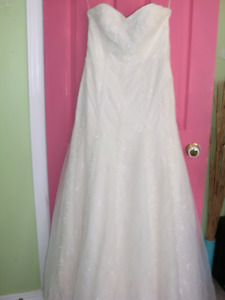 Strapless Wedding dress - Beaded Ivory (size 10), should be dry