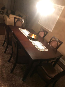 Dining set need gone ASAP
