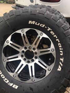 "35"" mud tires Stratford Kitchener Area image 1"