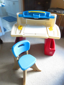 Step 2 Deluxe Child Art Desk and Chair