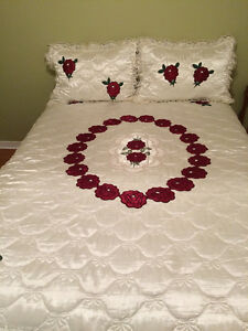 Queen size satin bed spread and curtains