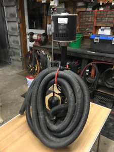 Sump Pump with discharge hose