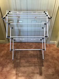 Collapsable Clothes Drying Rack