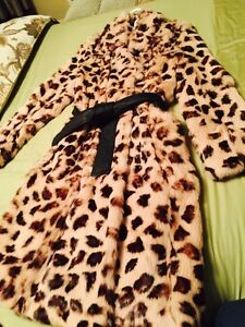 BRAND NEW Leopard print jacket West Island Greater Montréal image 1