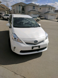 2012 Toyota Prius V! Low KM, White, Priced to Sell!!
