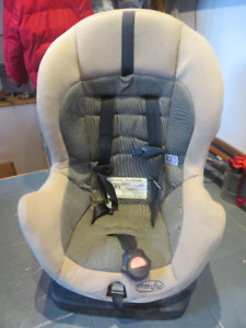 Child Car Seat EVENFLO Siege d'auto d'enfant