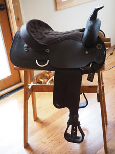 Wintec Western Saddle - mint condition